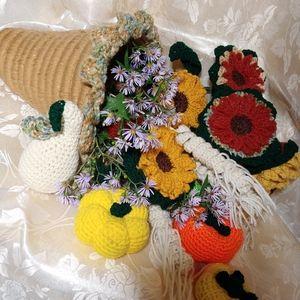 Crochet Harvest Cornucopia Sunflowers & Gourds Kit